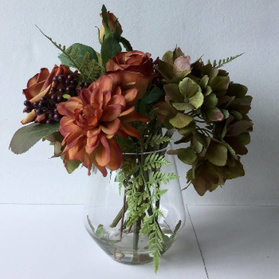 Picture of Autumnal Arrangment In Glass Vase